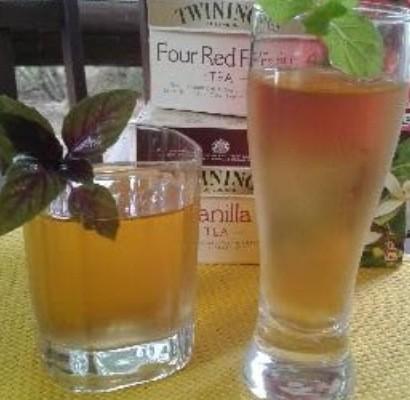 Tè freddo vaniglia e frutti di bosco