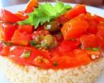Testa e Pancia: couscous con pomodorini, capperi e foglie di shiso
